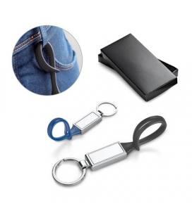 CLOVE. Porta-chaves em metal e PVC